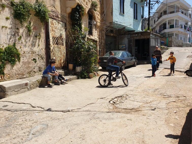 التعليم من بعد في طرابلس: تحدّيات وشيكة والأطفال ضحايا