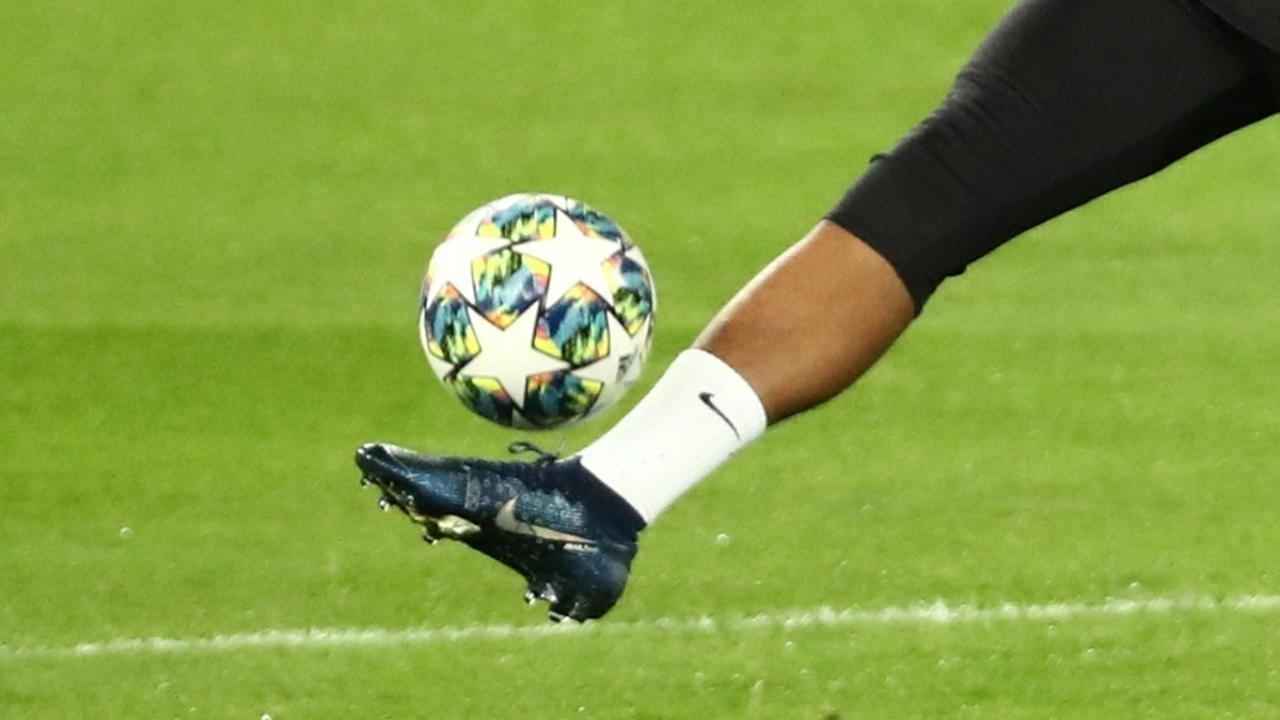 كرة القدم... طموحي