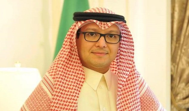سفير السعودية يغادر لبنان