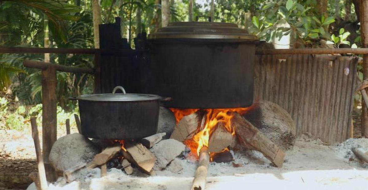 الطبخ على الحطب